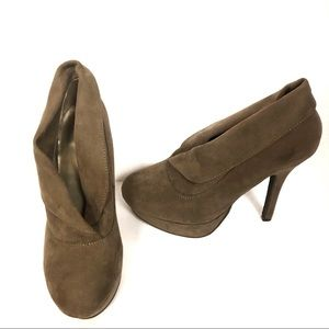 Mossimo Brown Heeled Fold Over Ankle Boots 7.5